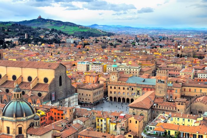 BOLOGNA – Private City Tour