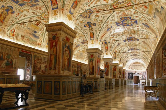 ROME Vatican Museums – Private City Tour
