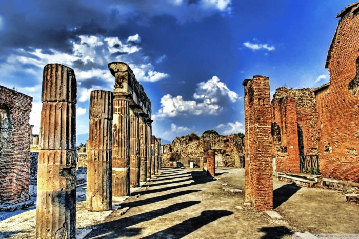 NAPLES to Pompei – Collected Tour in English